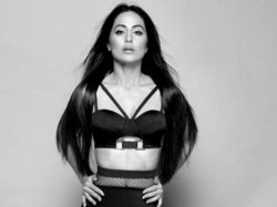 Hina Khan Flaunts Her Abs Hotness Her Latest Photo Shoot Vi