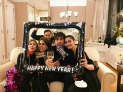 Ranbir Kapoor Alia Bhatt Celebrate 2019 With Rishi Kapoor And Neetu Kapoor