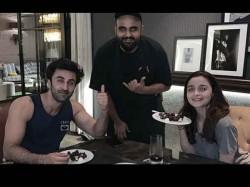 After Fight Video Ranbir Kapoor Alia Bhatt Valentine Dinner Date Pic Goes Viral