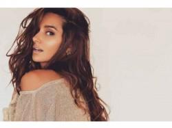 Farhan Akhtar Girlfriend Shibani Dandekar Hot Looks Viral