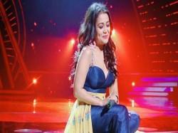 Singer Neha Kakkar Proposed Fans Valentine Day Video Viral