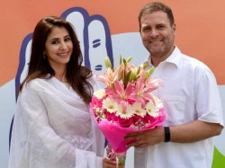 Actress Urmila Matondkar Join Congress