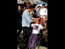 Shahrukh Khan Met An Differently Abled Fan At Ipl Match
