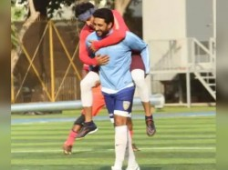 Abhishek Bachchan And Ranbir Kapoor Funny Picture Gone Viral