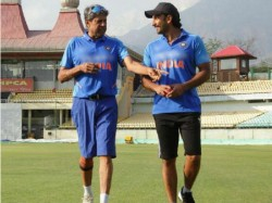 Ranveer Singh Shares A Pic With Kapil Dev Begins Training For 83 The Film