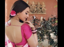 Sonakshi Sinha First Look From Salman Khan Dabangg