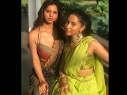 Suhana Khan And Gauri Khan Blast Internet With Their Traditional Look Pictures