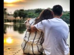 Anushka And Virat Romantic Video Gone Viral