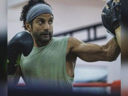 Toofan Farhaan Akhtar New Photo With Boxing Punch Gone Viral