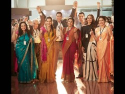 Mission Mangal Akshay Kumar S Picture With Girl Power Gone Viral