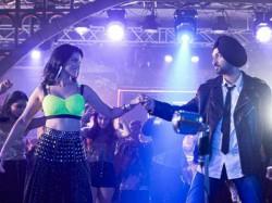 Sunny Leone Shakes A Leg With Diljit Dosanjh In Arjun Patiala