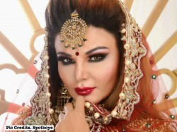 Rakhi Sawant Gives Exclusive Wedding Pictures To A Leading Website