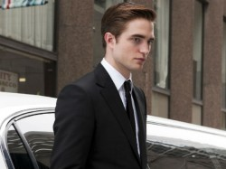 Batman Star Robert Pattinson Gets Covid 19 Shooting Paused