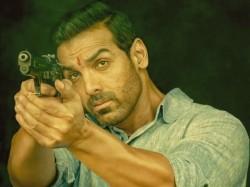 Mumbai Saga Opening Day 1 Box Office Collection Starring John Abraham Emraan Hashmi