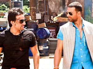 Opps..अक्षय कुमार और सैफ अली खान की कहानी एक!