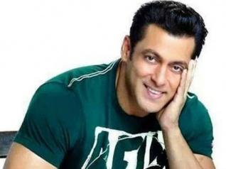 ''सलमान खान मेगास्टार हैं.. बॉक्स ऑफिस हो या TV.. हर जगह सलमान राज करते हैं....''