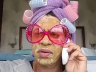 FunnyVideo..पम्मी आंटी की बातें..हंस-हंस के हो जाएंगे लोट-पोट!