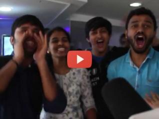 #ViralVideo: पहला शो खत्म होते ही थियेटर के बाहर #DhoniRocks की गूंज