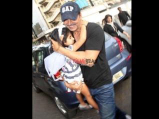 अक्षय कुमार का बेटी नितारा के साथ डांस..देखिए वीडियो..SUPER CUTE