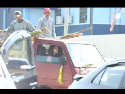 हैप्पी फिर भाग जाएगी में ट्रक दौड़ाएंगी सोनाक्षी सिन्हा, फोटो हो गई वायरल, देखें तस्वीरें