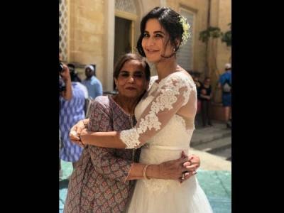 Just In: कैटरीना और सलमान ने भारत के लिए शूट कर ली शादी, मां सलमा खान मौजूद, फैन्स ने दी बधाई