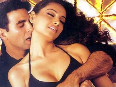 पहली ही फिल्म में अक्षय कुमार के साथ HOT सीन, सारी एक्ट्रेसेस की छुट्टी, फिर हो गईं गायब
